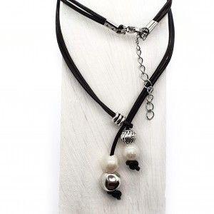 Collar con perlas naturales...