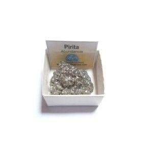 Pirita chispa piedra en bruto pequeña en caja de colección 4x4 cm