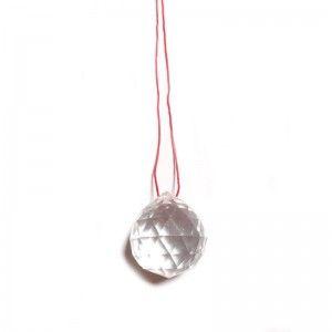 Bola De Cristal Feng Shui Pequeña 2cm con Hilo rojo