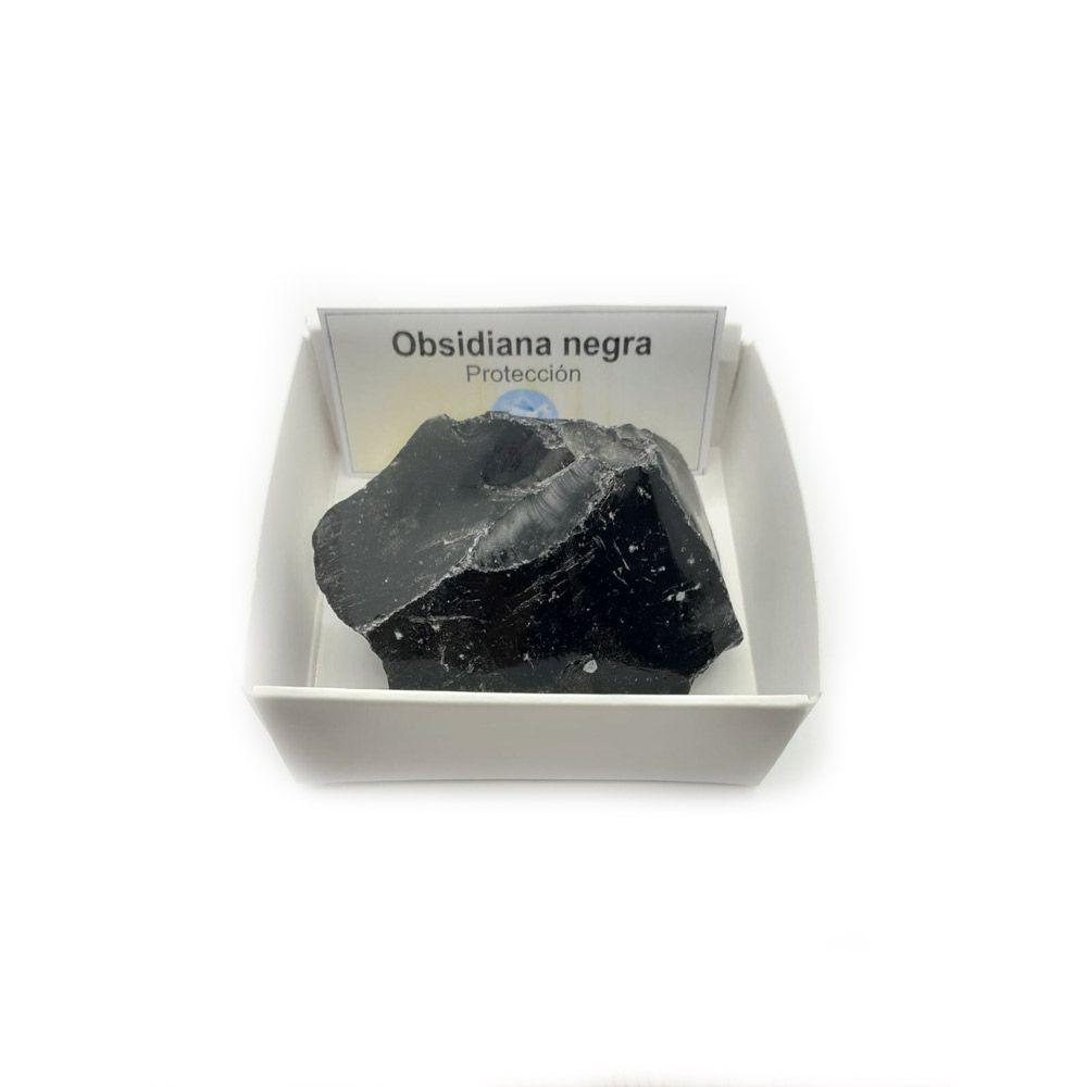 Obsidiana negra en bruto natural