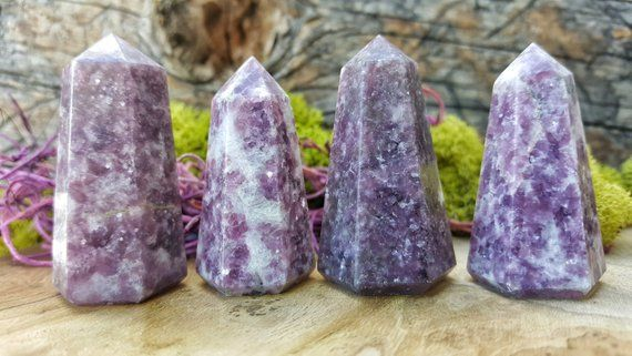 lepidolita piedra